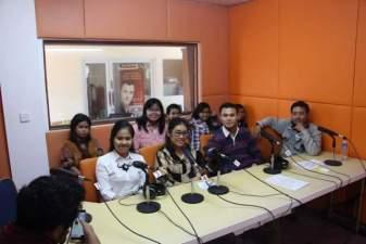 Mahasiswa PAK Belajar Siaran dan Pengelolaan Radio di RPK